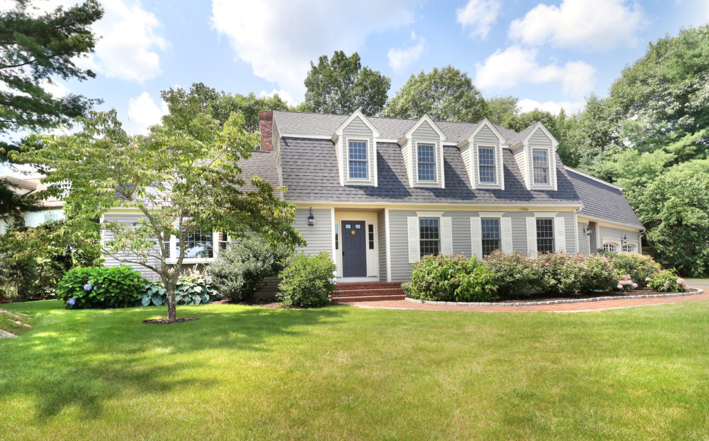 Like New Move In Ready Colonial Style Home For Sale - Westwood MA