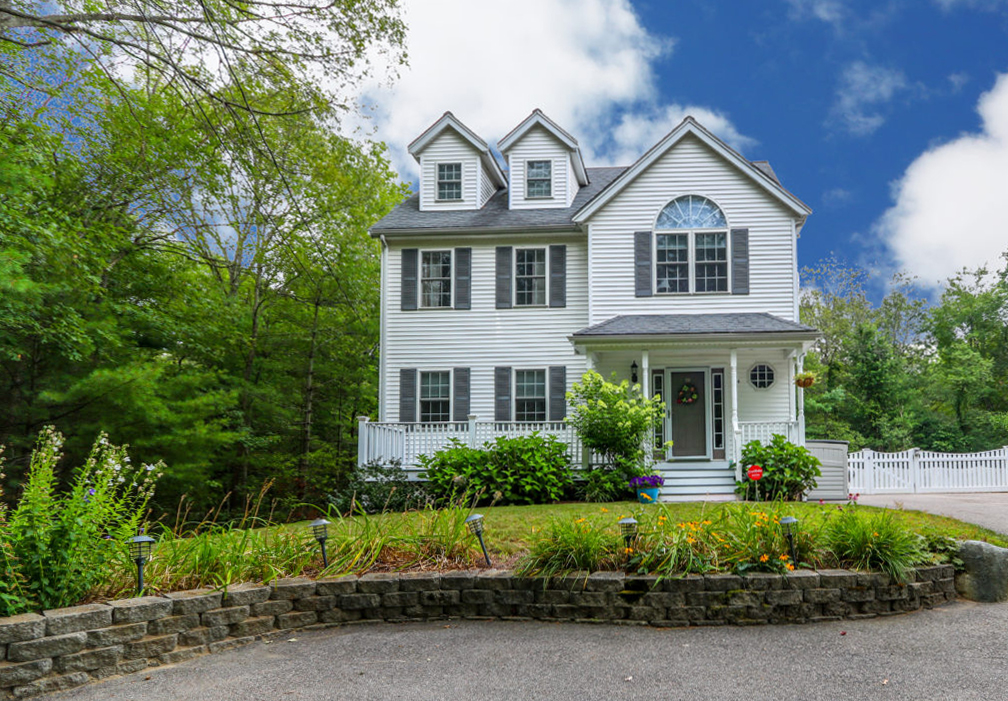 Beautiful Colonial Pending Sale In Less Than A Week
